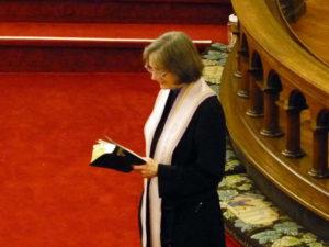 Linda-Kelly-sanctuary-preaching