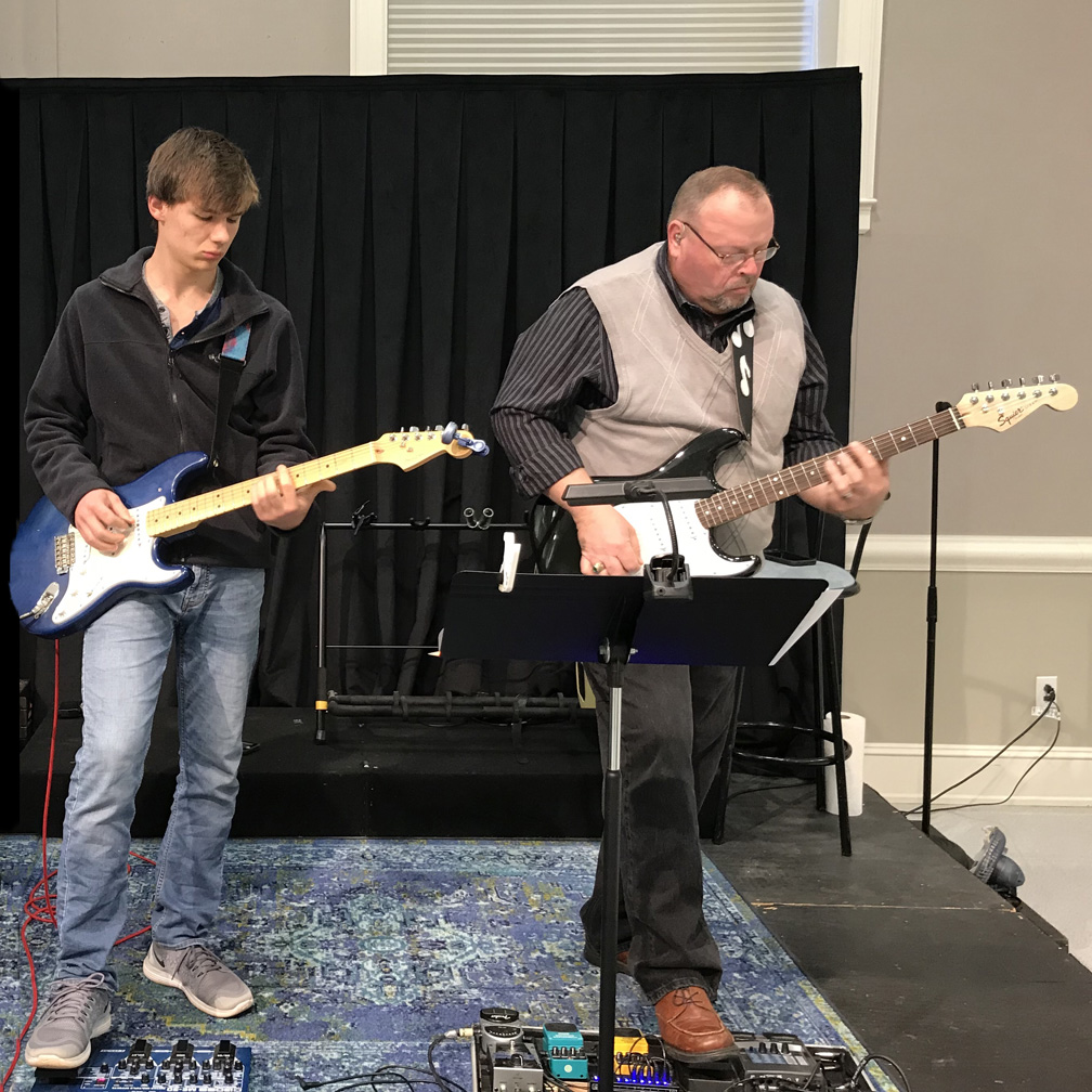 guitarists-fumc-praise-band